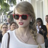 Taylor-Swift-Wayfarer
